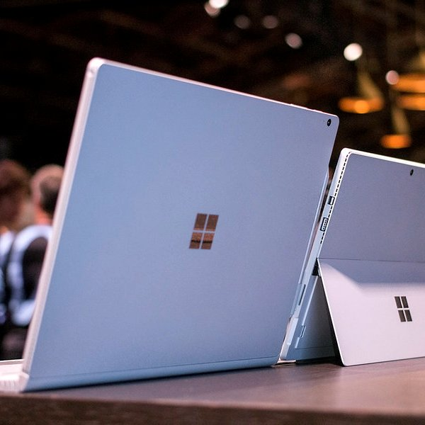 Apple, Microsoft, Windows, OS X, MacBook Pro, планшет, ноутбук, Microsoft Surface Book - главный конкурент Apple MacBook Pro