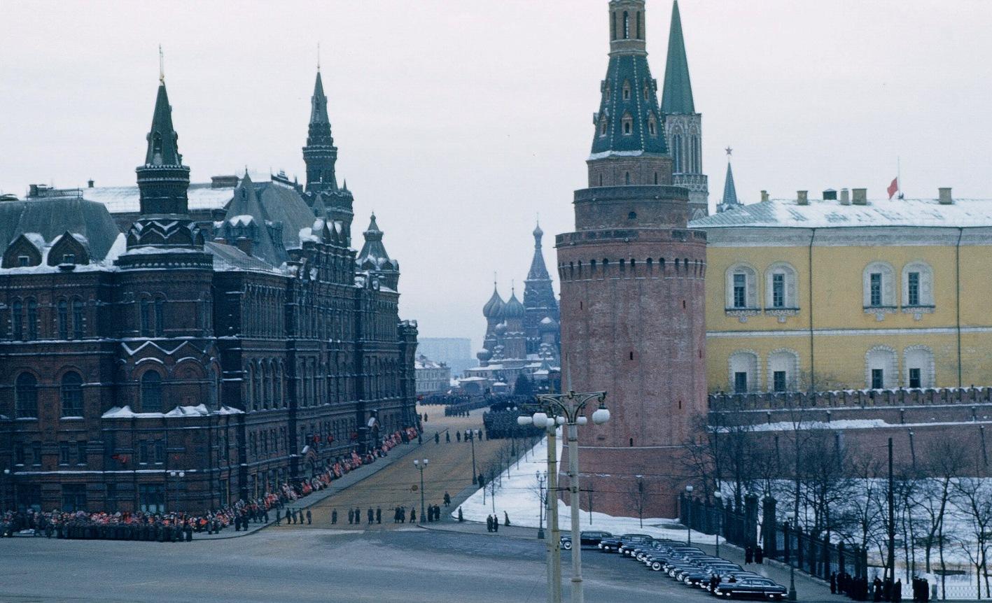 Архив Манхоффа: опубликовано ранее неизвестное видео похорон Сталина