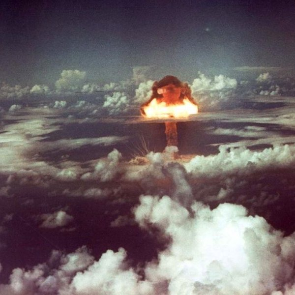 История, СССР, США, война, авиация, 100 килотонн марксизма: как «Царь-бомба» обеспечила мир во всём мире