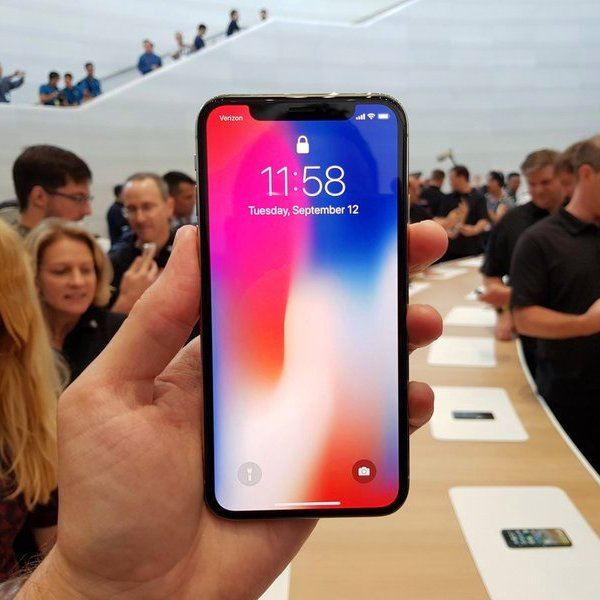 Apple, iPhone, iOS, Презентация Apple: «стеклянный» iPhone 8 и «безрамочный» iPhone X