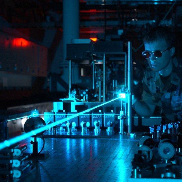 интернет,соцсети, Google займется «раздачей» интернета при помощи лазера