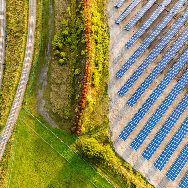 Google, энергетика, Google использует ветер и солнечную энергию